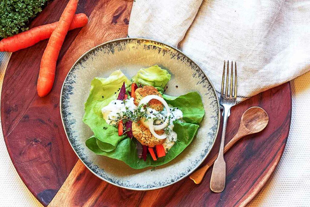 Salat Wrap mit Falafeln