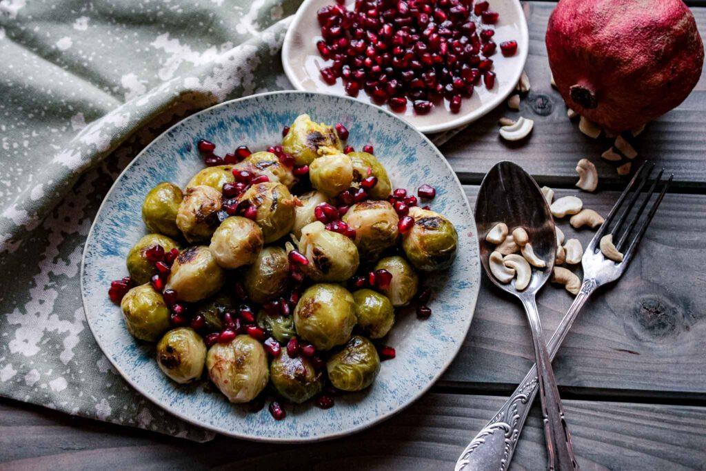 Rosenkohl mit Granatapfelkernen